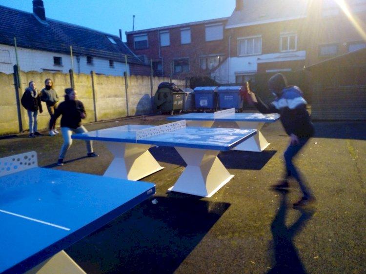 Installation des tables de ping-pong au DOA